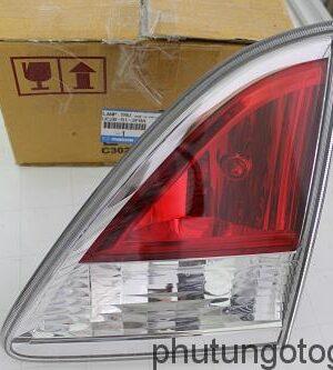 Đèn hậu (miếng ngoài) phải Mazda BT 50