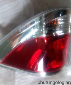 Đèn hậu (miếng ngoài) trái Mazda BT 50