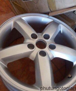 La zăng đúc Hyundai Santafe 17 inch