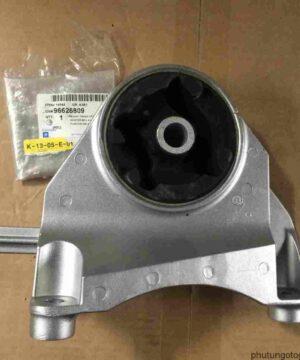 Chân máy két nước Chevrolet Captiva