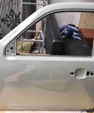 Cánh cửa trước trái Ford Everest