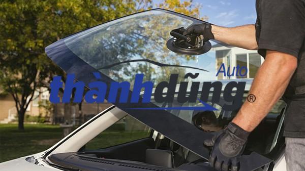 Cấu tạo kính ô tô và các loại kính xe quan trọng cần chú ý